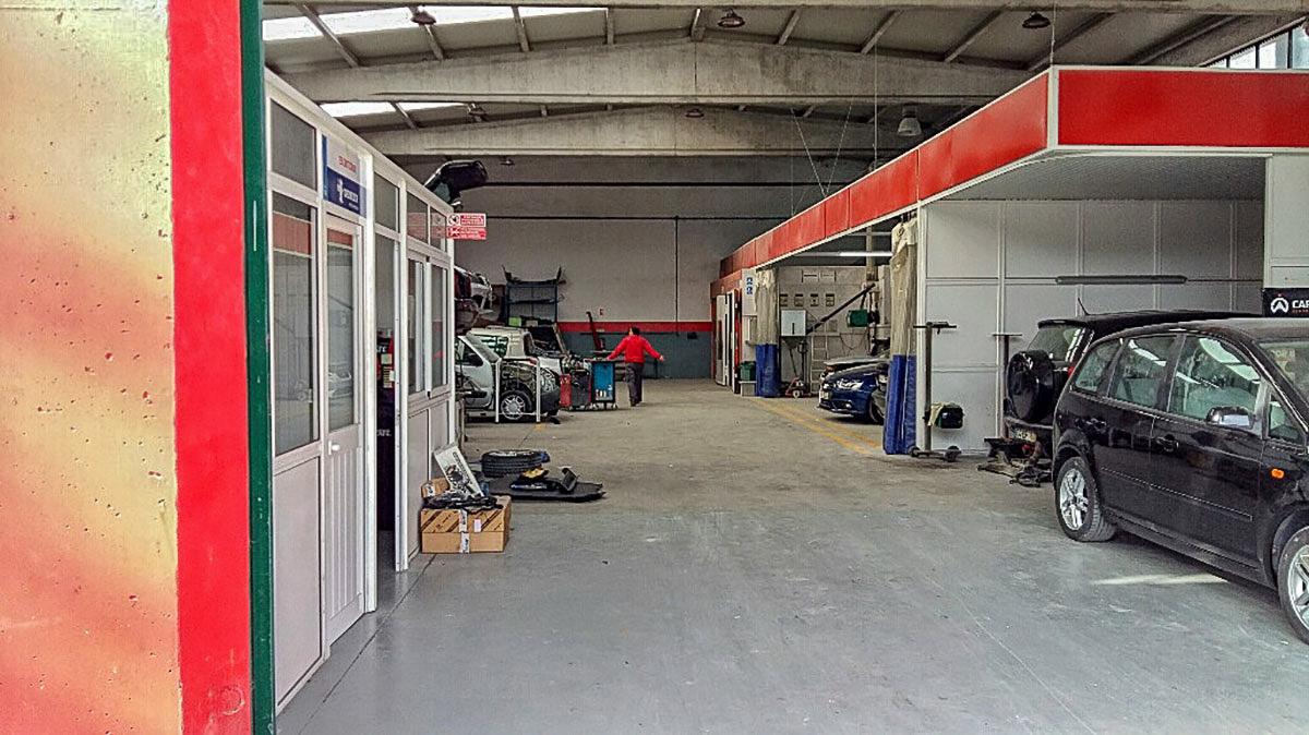 Oficina de Mecânica RINO Caldas Classe - Interior2